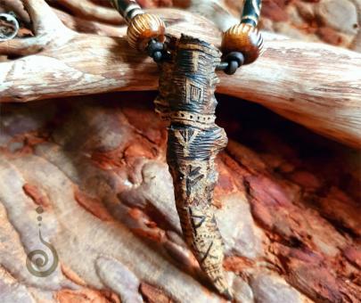 """schamanisches Amulett """"Kraft der Fichte"""""""